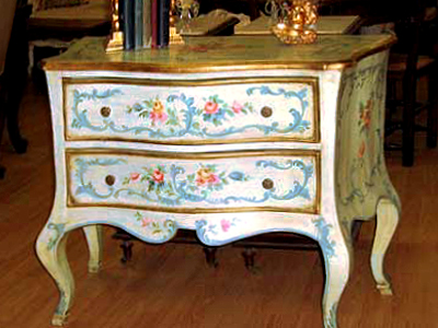 Antique Bedroom Furniture on Antique Furniture Store  Marie Antoinette   Jamie Sarner