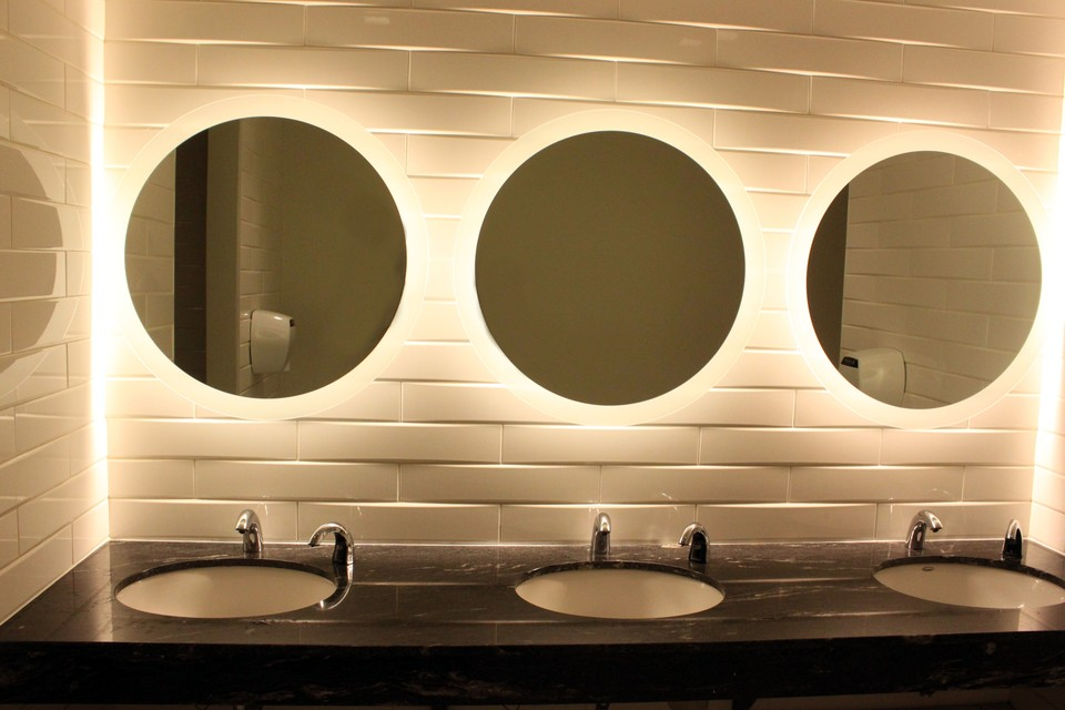 Bathroom Mirrors By Prayitno