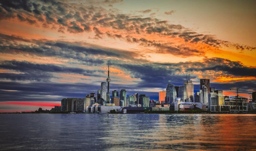 Toronto Sunset by Vivian Lynch