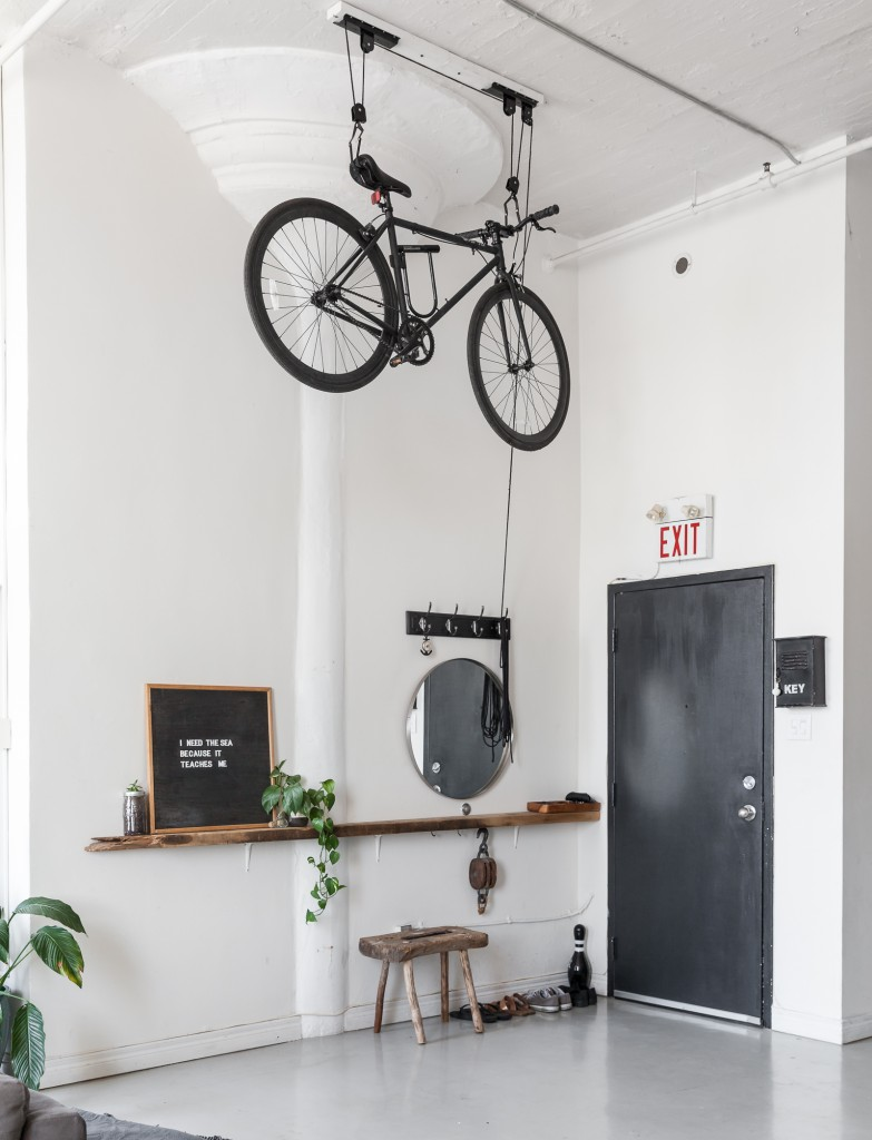 Bike Pulley System by Apartment Therapy